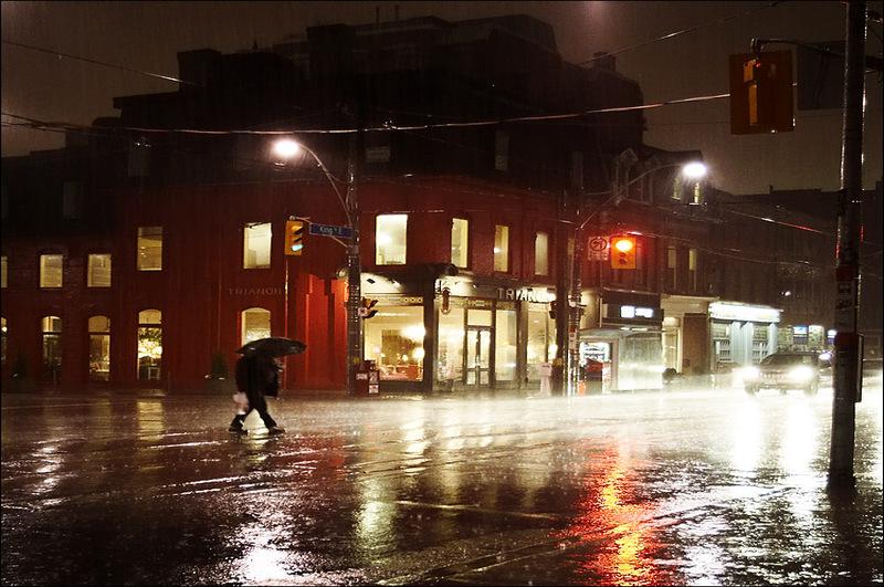 Umbrellaman_rain_sherbourne_night